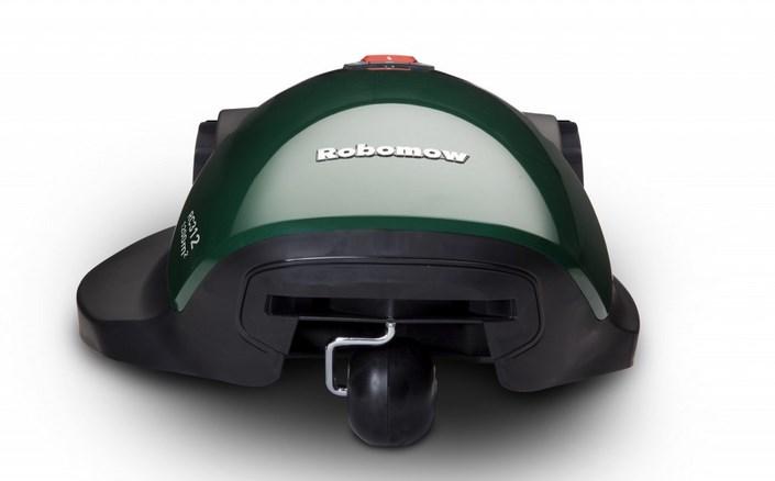 красивый робот газонокосилка robomow имеет необычный дизайн