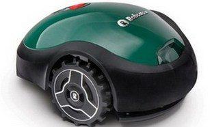 робот газонокосилка robomow относится к младшим моделям линейки продукции компании